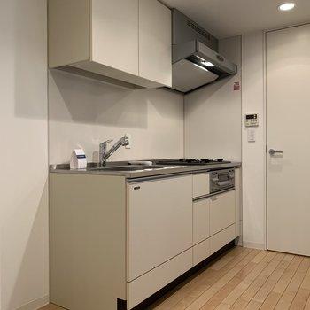 【上階】シンプルなキッチン