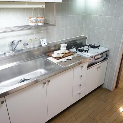 キッチンはとてもゆったり2口ガス!