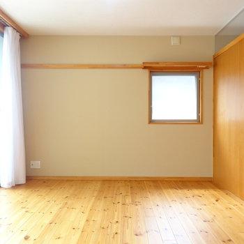 無垢の香りがふわあっと。 ※写真は2階の反転間取り別部屋のものです