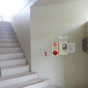 2階へあがります