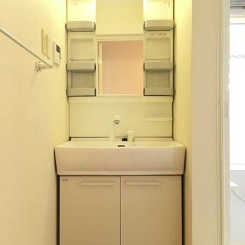 洗面台兼脱衣所スペース