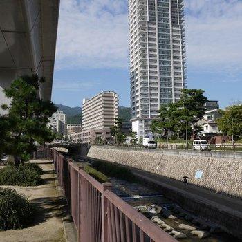 清流住吉川。散歩コースに。