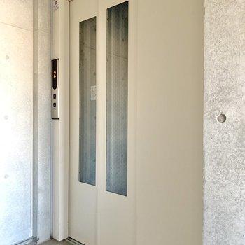エレベーターもあるのですが、