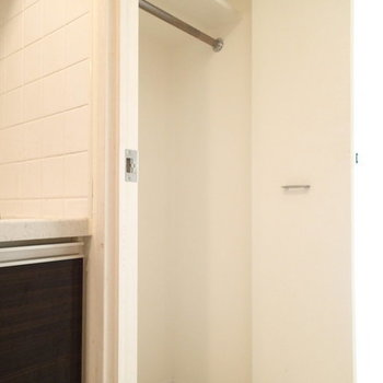 クローゼットこんな感じ。※写真は2階の同間取り別部屋