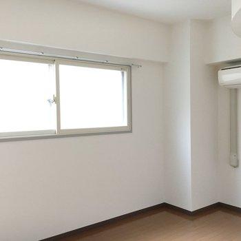玄関脇のお部屋にもエアコン!