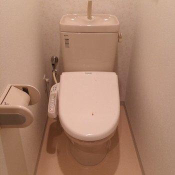 おトイレにはウォシュレットもついてます◎