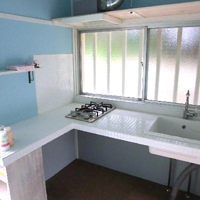 キッチンはL字型です!窓向きなのも嬉しいな。