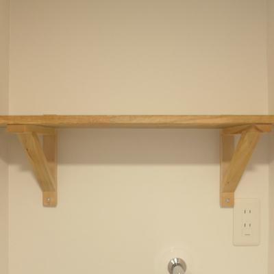 トイレの上にも木の棚がついているんですよ♪