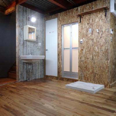 壁や床、ドアなど隅々までかわいいです