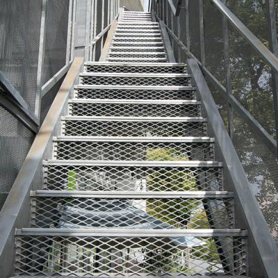 4階へと登りましょう