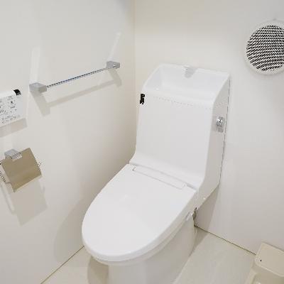 トイレはウォシュレットも!ねこちゃんトイレも置けます♪