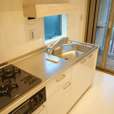 キッチンはゆったり2口ガスです♪