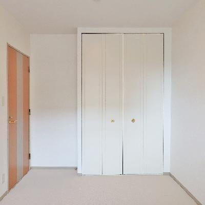 洋室も十分の広さ。