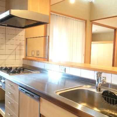 料理しがいのある大きなキッチン