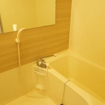 お風呂もナチュラルに♪※写真はクリーニング前です