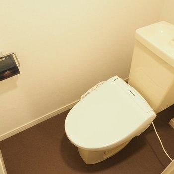 トイレにはウォシュレットつき※写真はクリーニング前です
