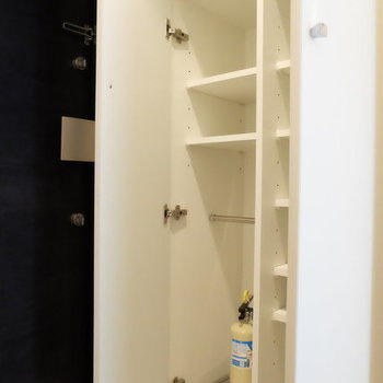 大きめの靴箱※写真は同じ間取別部屋です