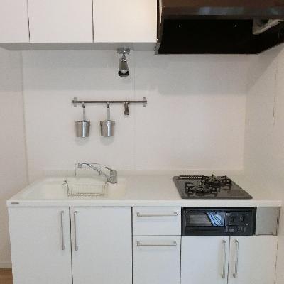 キッチンは人工大理石の天板!新設!※画像はイメージです