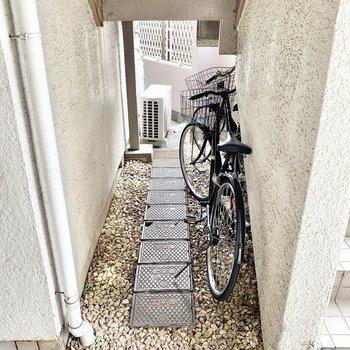 自転車を置いておくこともできますね。