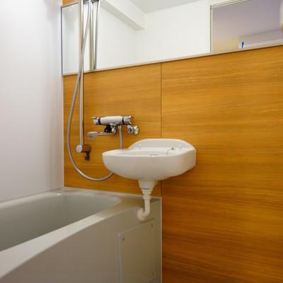お風呂は追い焚き機能付き!※写真は前回募集時のものです。