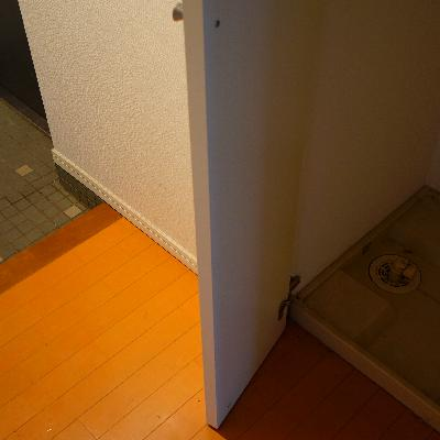 玄関横に洗濯機置き場です!