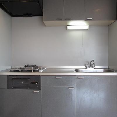 使いやすそうなキッチン。*写真は別部屋です