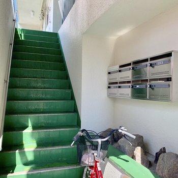 共用部】階段ですが2階なら余裕ですね!