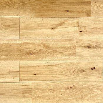 オークの無垢床、本物の質感は違いますよ!
