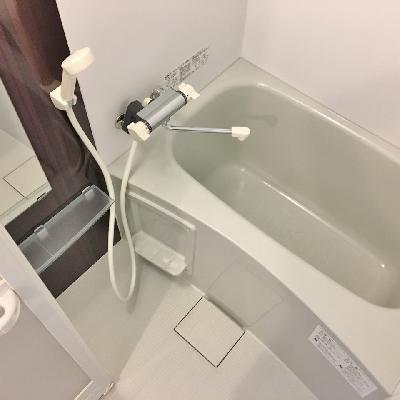 お風呂もブラウンが良い感じ。