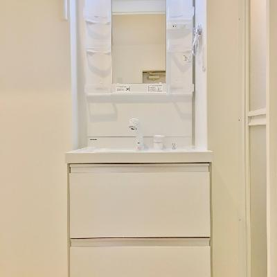 洗面台はシンプルに。