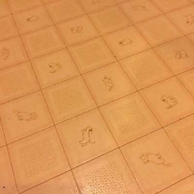 水回りの床はワンちゃんネコちゃん柄!