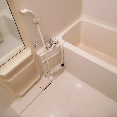 お風呂は浴槽深め