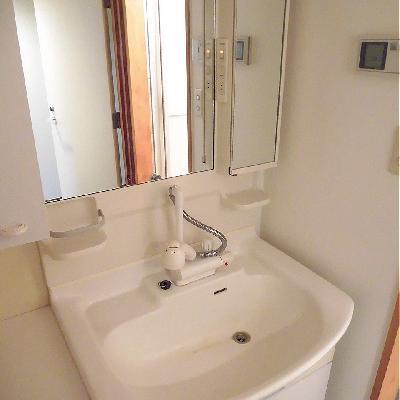 シャワーヘッドの洗面台