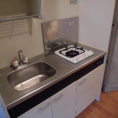 キッチンはシンプルですね
