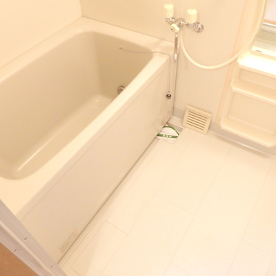 浴槽は結構深い!