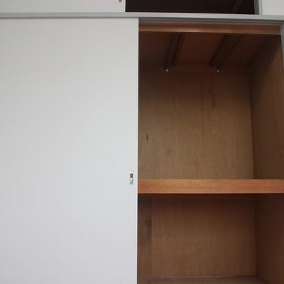 洋室に配置された収納