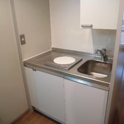 キッチンはシンプルなIHでお掃除らくらく!