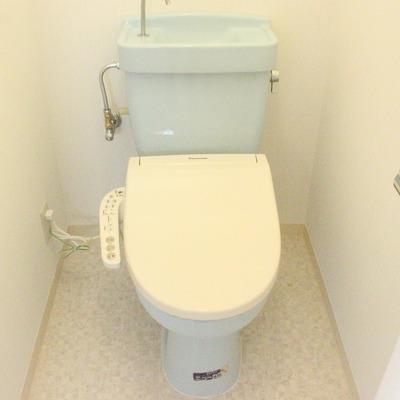 バスルームとトイレは別になってます