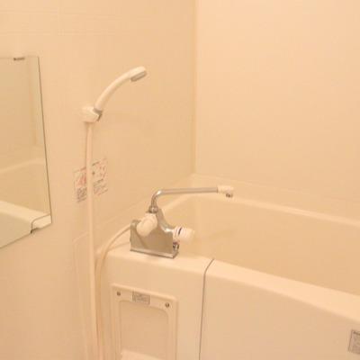 浴室はシンプルに