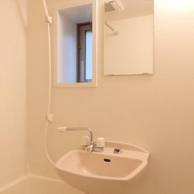 浴室、窓があります!