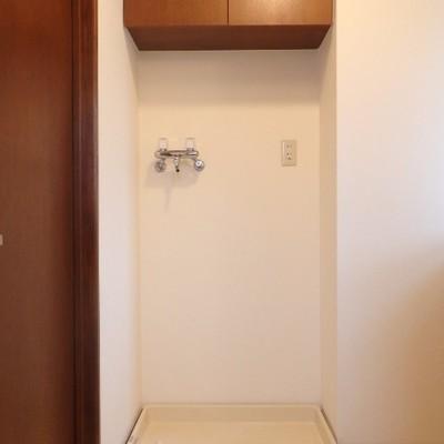 脱衣所に洗濯機置き場があります