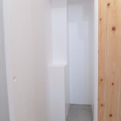 玄関横にちょっとしたスペースがあります。