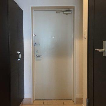 帰ってくると気持ちのいい玄関。※写真は10階の同間取り別部屋のものです