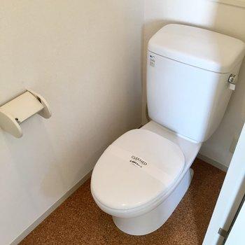トイレは奥に物が置けますよ。※写真は前回募集時のものです