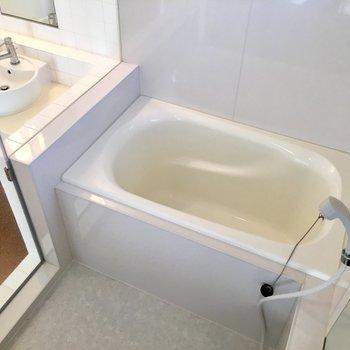 お風呂は透け透け!※写真は前回募集時のものです