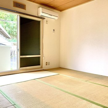 温かみのある和室です※写真は通電前のものです