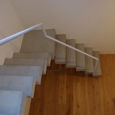 階段もオシャレですね~!