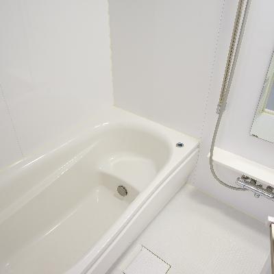 お風呂は追い焚きと乾燥機が付いて機能的!