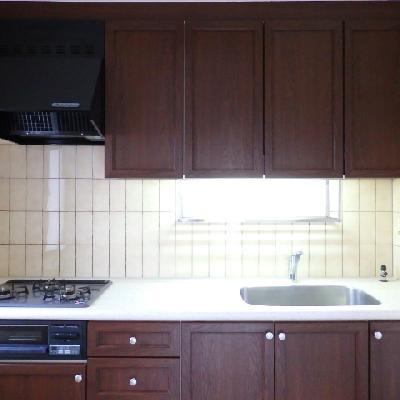 キッチンはグレード高めのシステムキッチン