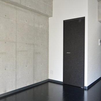 斜めからも。※写真は5階の同間取り別部屋です。